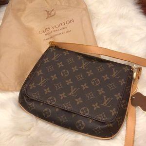 100% AUTHENTIC Louis Vuitton Crossbody NWT